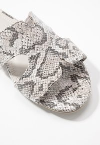 Marco Tozzi - Mules - light grey - 2