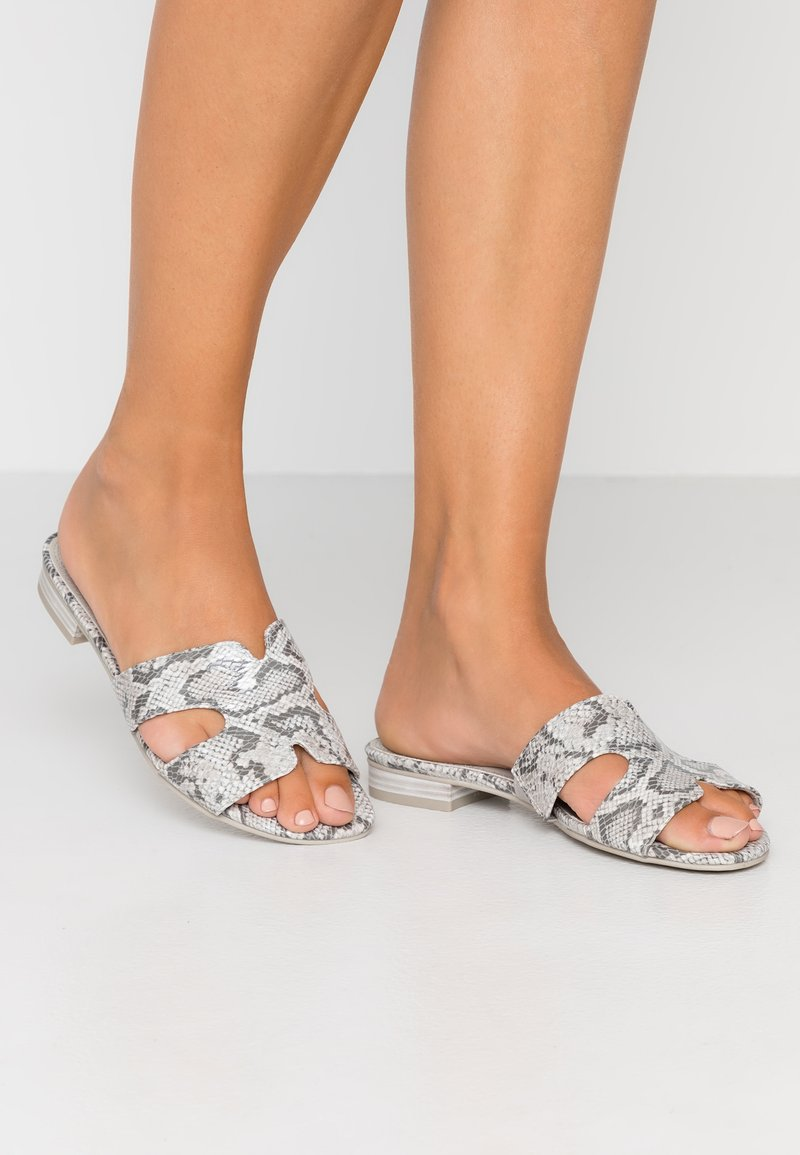 Marco Tozzi - Mules - light grey