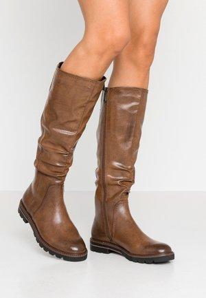 Boots - cognac antic