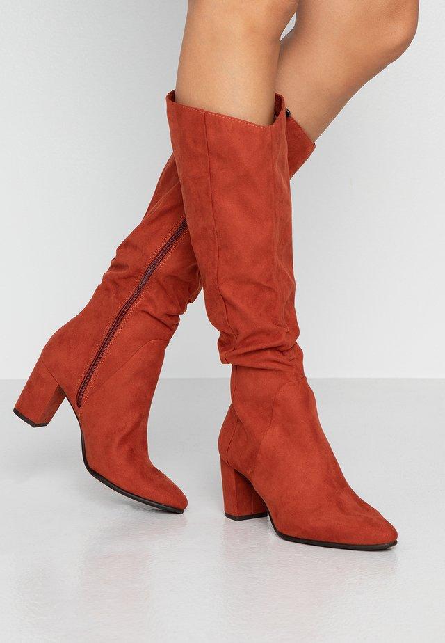 Boots - brick