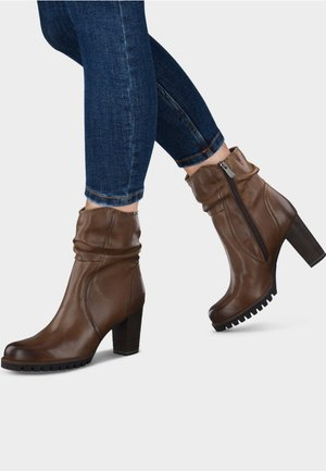 High Heel Stiefelette - brown