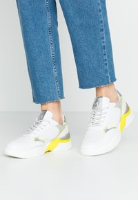 Marco Tozzi - LACE UP - Trainers - white/neon yellow - 0