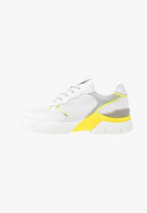 LACE UP - Matalavartiset tennarit - white/neon yellow