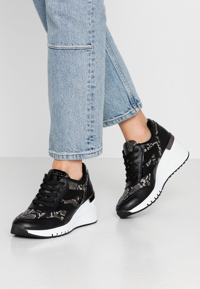 LACE UP - Sneakers - black