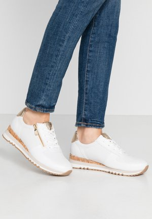 LACE UP - Baskets basses - white