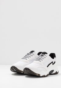 Marco Tozzi - LACE UP - Trainers - white/black - 4
