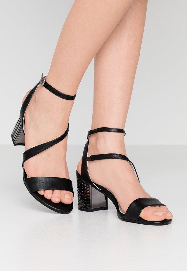 Sandały - black/white