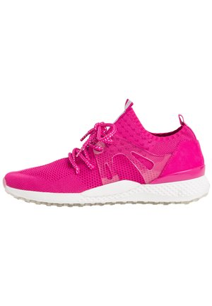 Trainers - fuxia comb