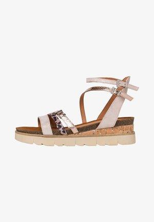 Sandales compensées - rose