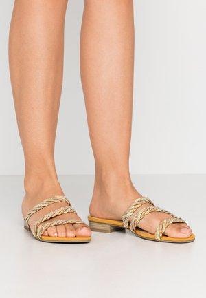 Pantofle - saffron