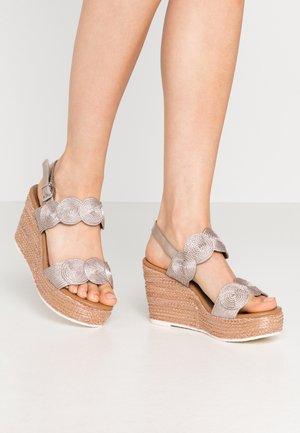 Sandalen met hoge hak - rose metallic