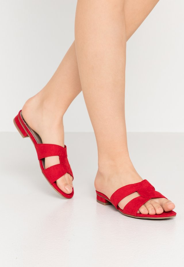 SLIDES - Pantolette flach - red