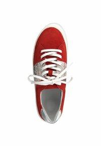 Marco Tozzi - Scarpe skate - red comb - 1