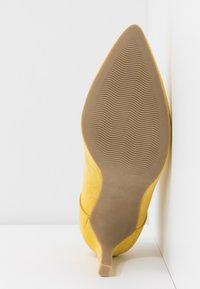 Marco Tozzi - Kotníková obuv na vysokém podpatku - yellow - 6