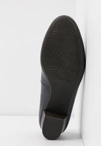 Marco Tozzi - COURT SHOE - Classic heels - navy - 6