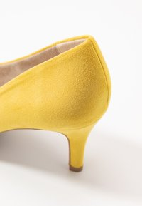 Marco Tozzi - COURT SHOE - Pumps - yellow - 2