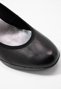 Marco Tozzi - COURT SHOE - Classic heels - black - 2