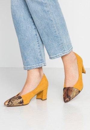 Escarpins - saffron