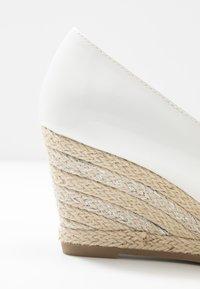 Marco Tozzi - Sleehakken - white - 2
