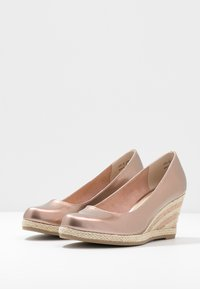 Marco Tozzi - Wedges - rose metallic - 4