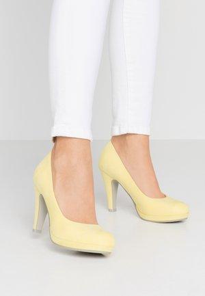 Høye hæler - lemon