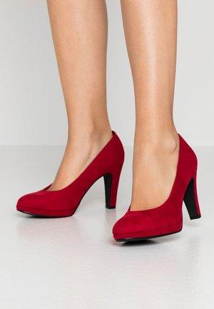 COURT SHOE - Hoge hakken - red