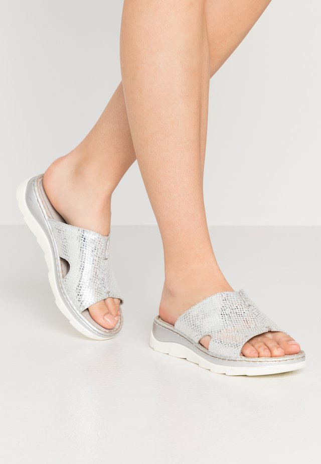 SLIDES - Mules - silver