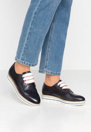 LACE UP - Volnočasové šněrovací boty - navy