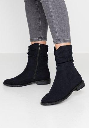 Kotníkové boty - dark navy