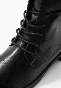 Marco Tozzi - Bottines à lacets - black antic - 2