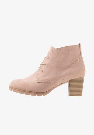 Boots à talons - rose
