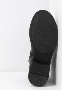 Marco Tozzi - Ankle boots - black antic - 6