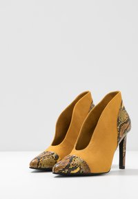 Marco Tozzi - High heeled ankle boots - saffron - 4