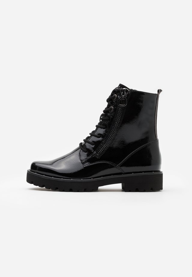 BOOTS - Enkellaarsjes met plateauzool - black