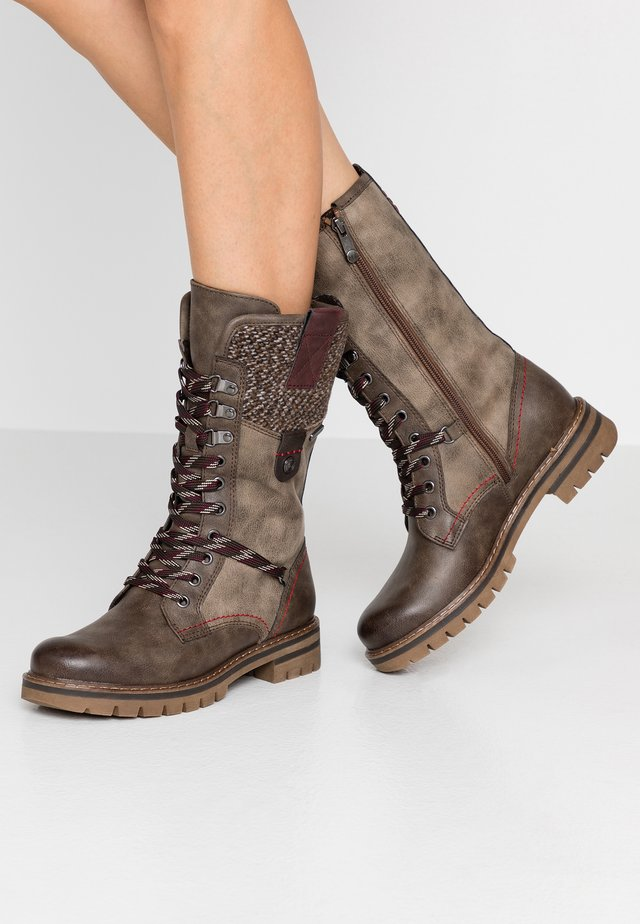 Lace-up boots - cigar