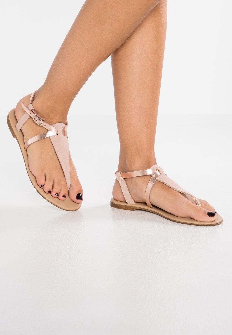 mint&berry - T-bar sandals - rose gold
