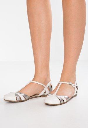 Ballerina med reim - white