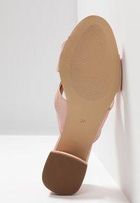 mint&berry - Pantofle na podpatku - nude - 6