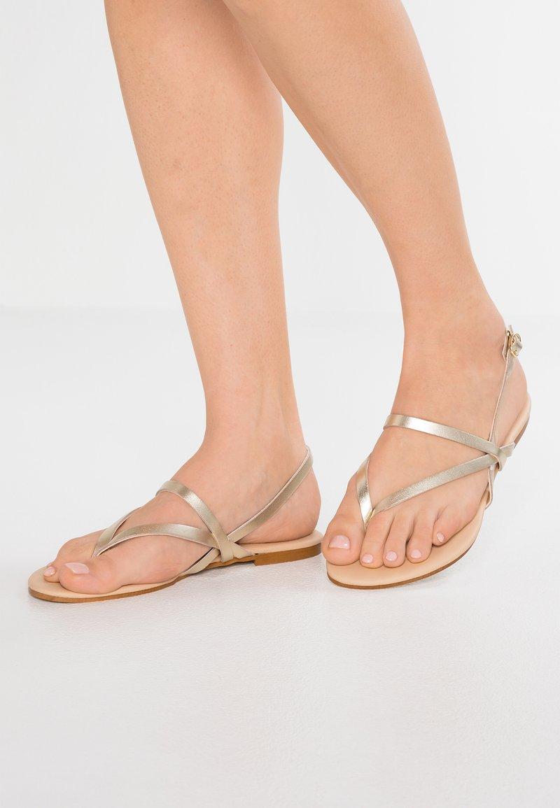 mint&berry - T-bar sandals - gold