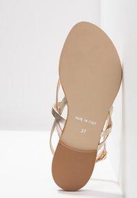 mint&berry - T-bar sandals - gold - 6