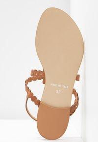 mint&berry - Sandály s odděleným palcem - cognac - 6