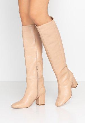 Vysoká obuv - nude