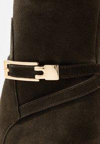 mint&berry - High heeled boots - khaki - 2