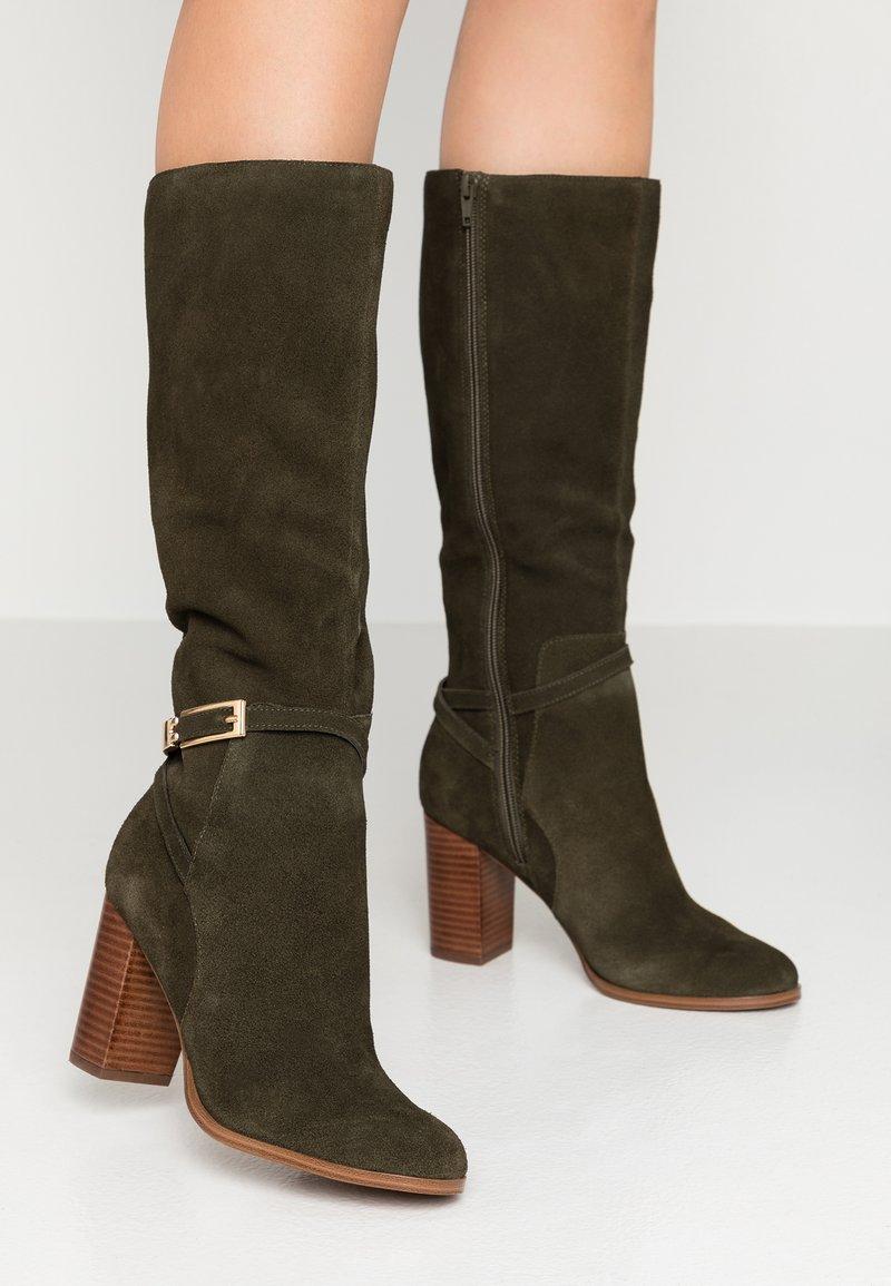 mint&berry - High Heel Stiefel - khaki