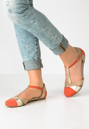 Ankle strap ballet pumps - red/light gold/ beige