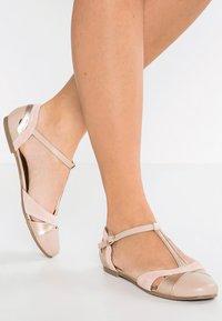 mint&berry - Ballerina med reim - nude - 0