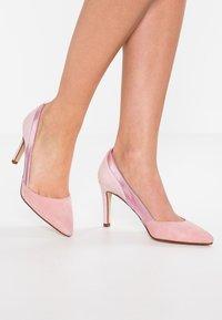 mint&berry - High heels - rose - 0
