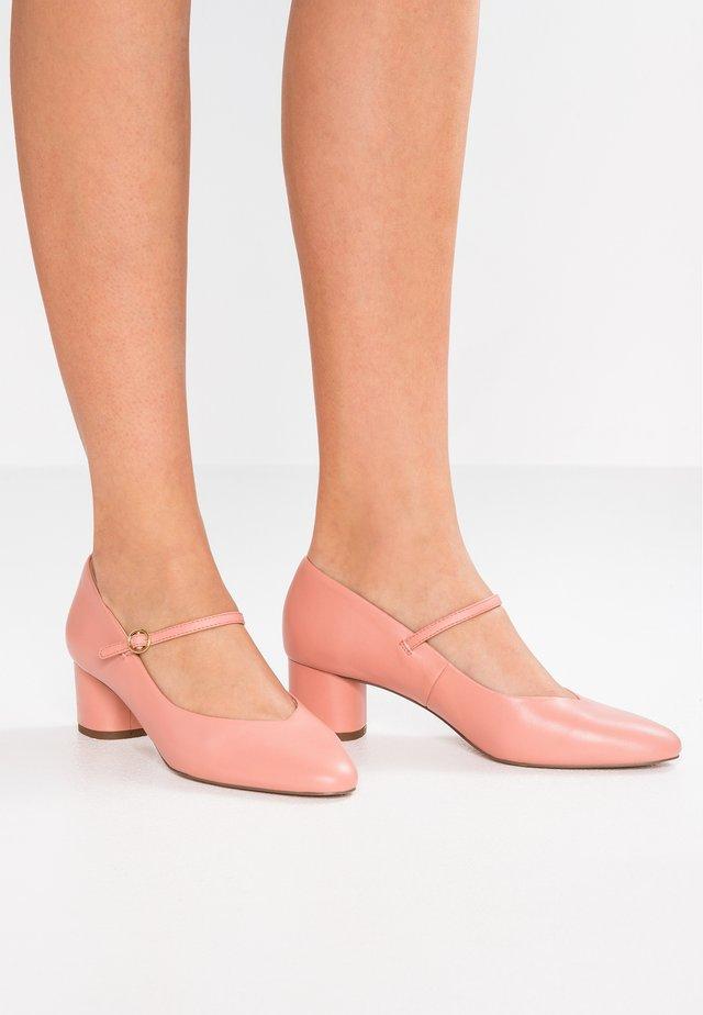 Classic heels - salmon