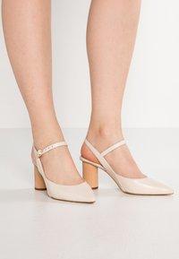 mint&berry - Classic heels - nude - 0
