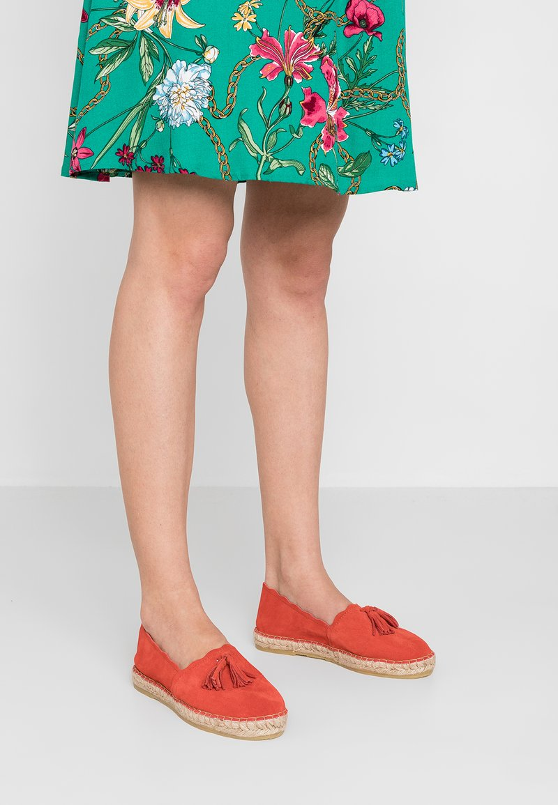 mint&berry - Espadrilles - red